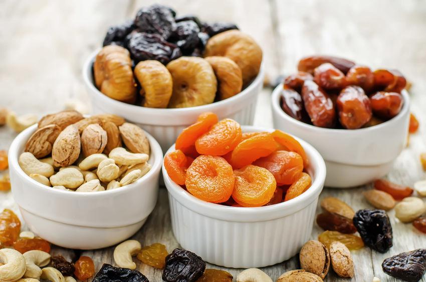 les fruit secs et les fruits séchés vous apportent des bienfaits spécifiques