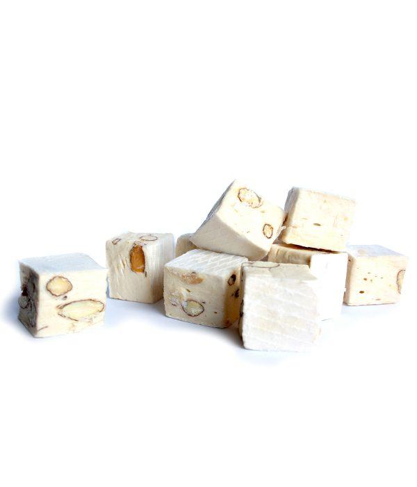 Nougats cube aux amandes